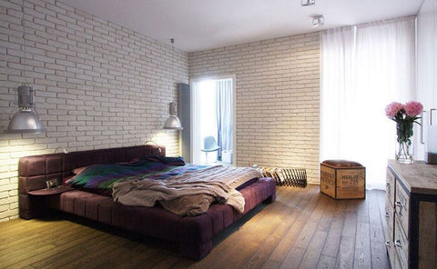 This Urban Bedroom Already Has A Lot Of Strong Pieces That Demand The Viewer S Attention Most Notably The Bed In Order Not To Overdo It A Lot Of Space Is