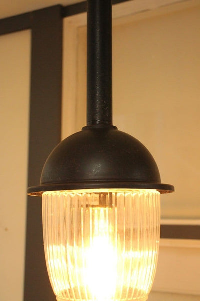 Antique style pendant light. buy exterior lighting online. patio nd deck lighting.