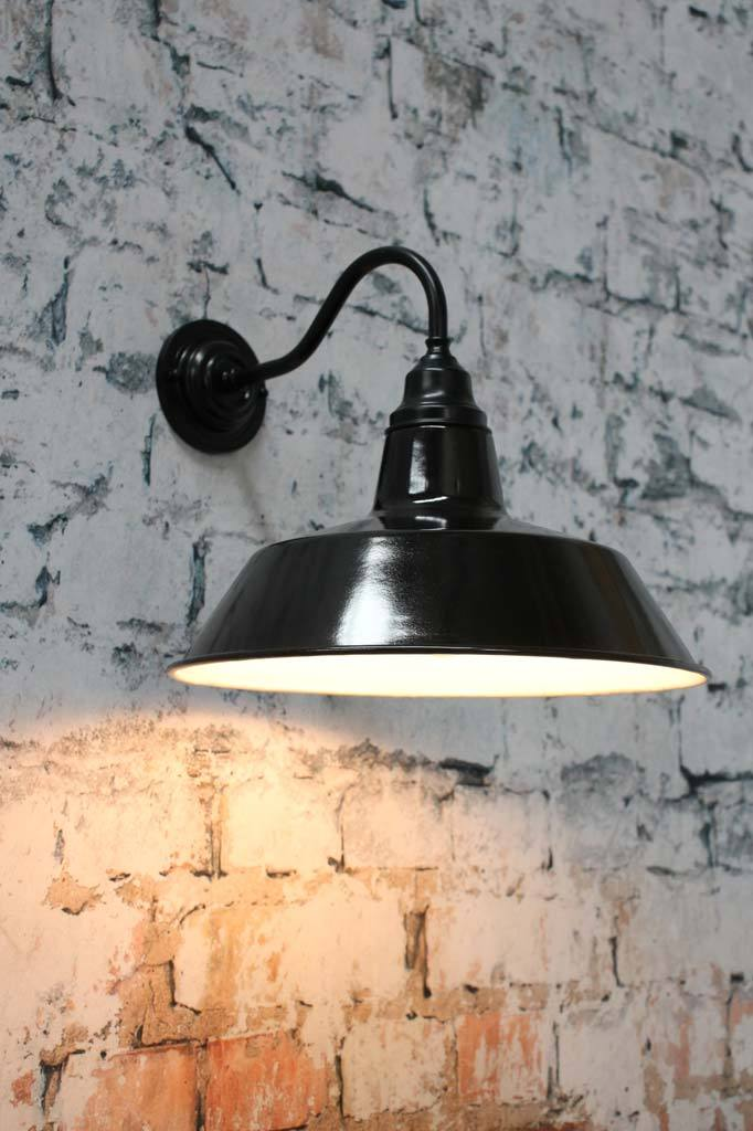 Bright brass wall light for outdoors