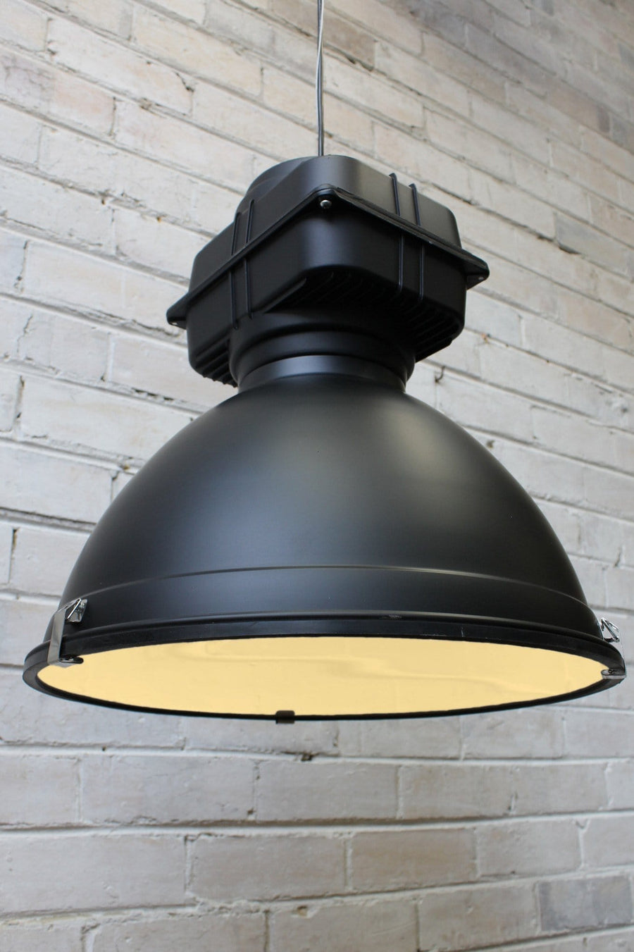 Cargo pendant light is industrial light