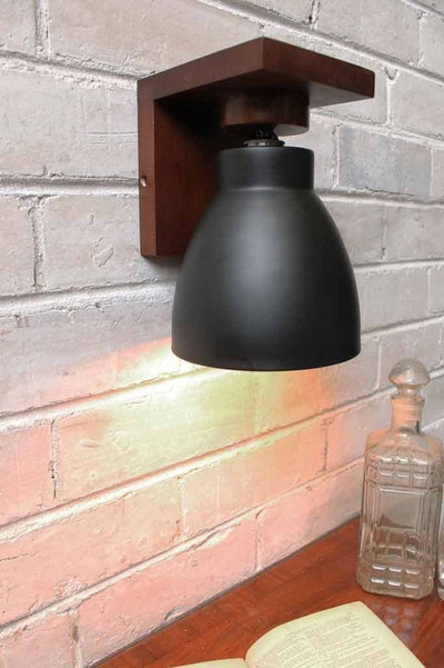 Cellar wood wall lamp great for bedside lighting
