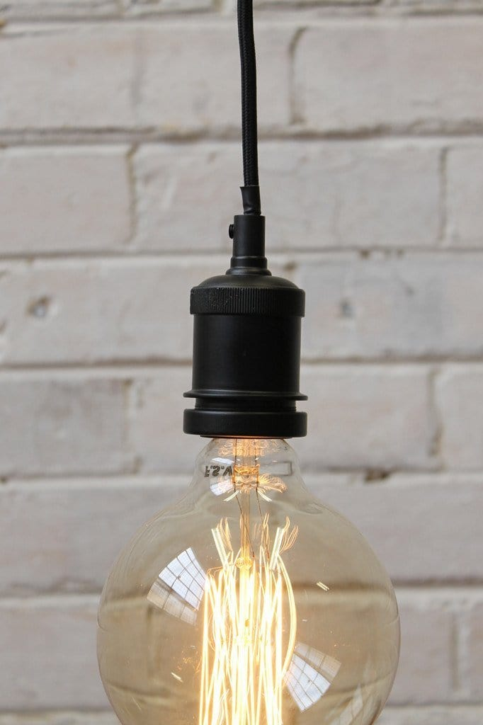 E27 metal lampholder pendant cord can support an e27 shade or looks great with a bare bulb