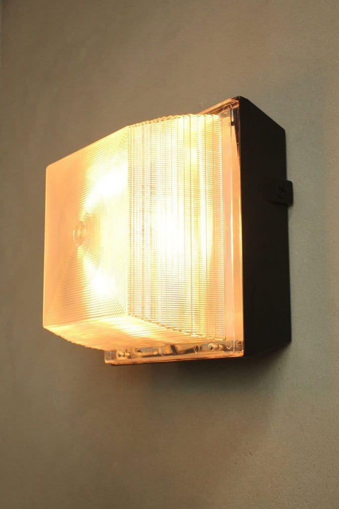 Flush mount wall fitting. industrial style wall lighting.