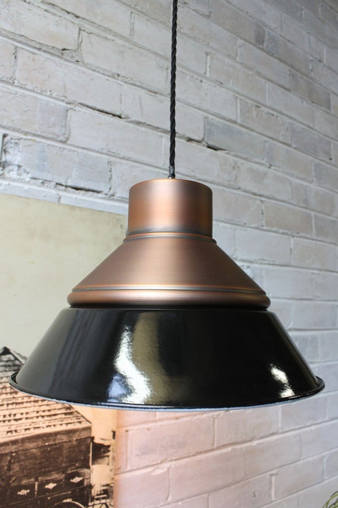 Foundry ceiling light in copper with led bulbs
