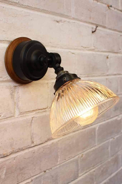 Glass batten wall light with prismatic glass shade