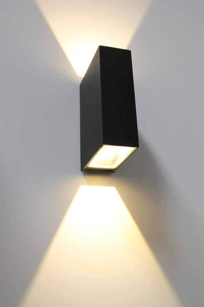 Hardy outdoor light. warm white outdoor lighting. facade lighting for home or business