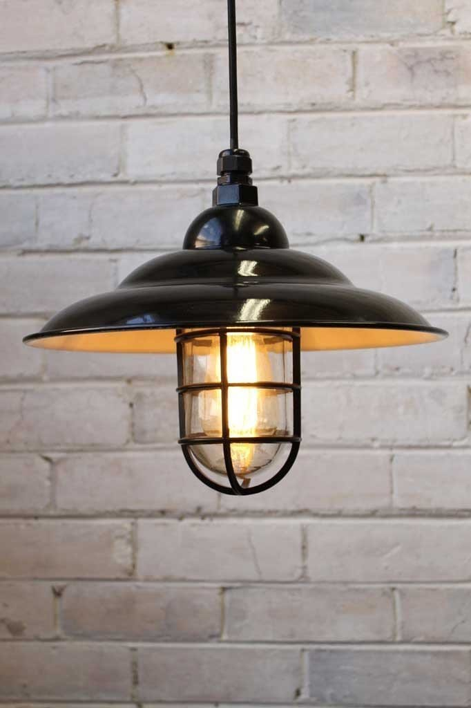 Industrial bunker pendant light