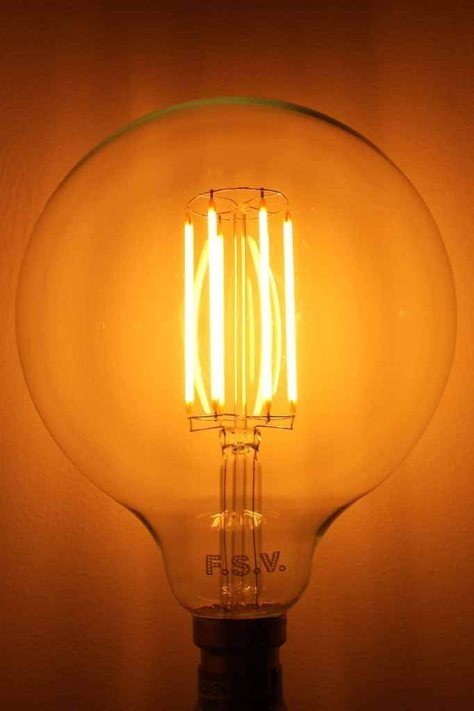 LED Light Bulb - Clear 125 5W 2200K