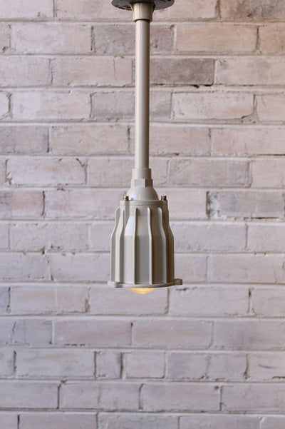 Marine industrial pole pendant with ceiling plate