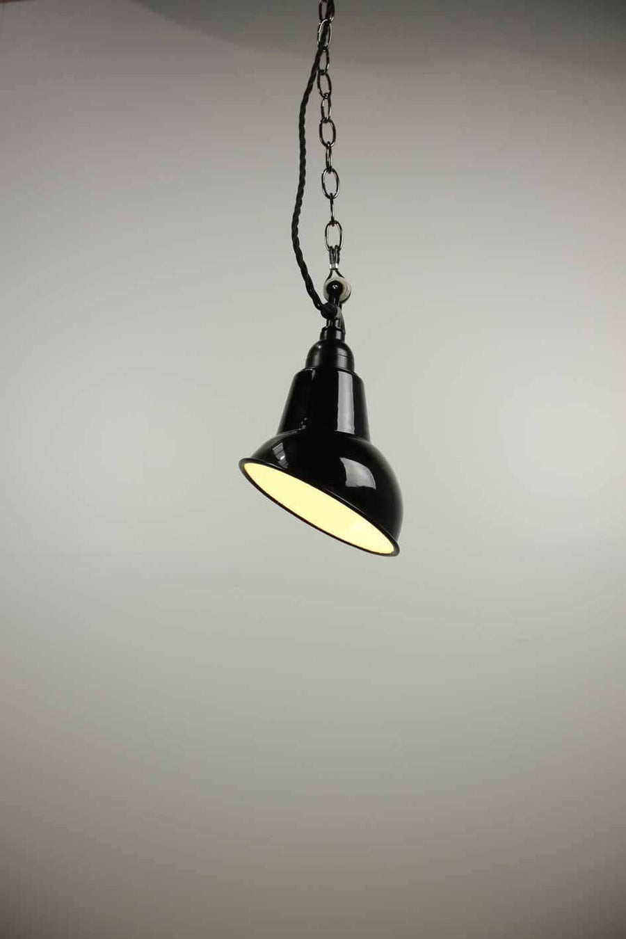 P485 single light pendant black light retro cafe lighting interior design vintage