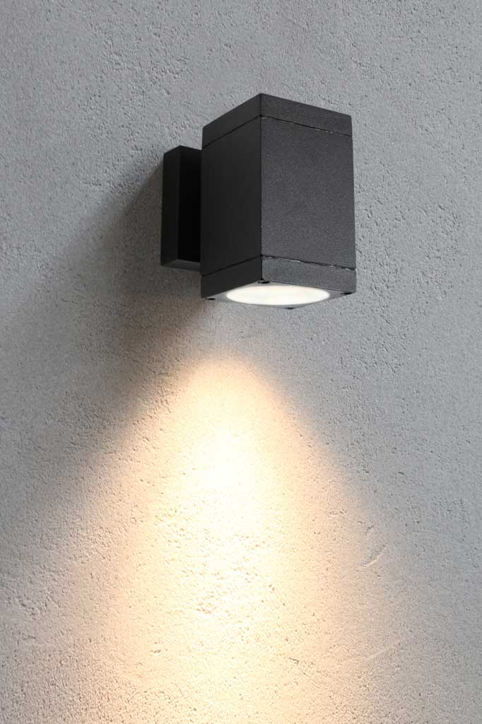 Small outdoor spotlight