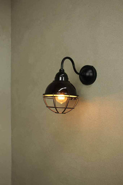 Small outdoor light to suit beachside living or farmhouse decor.