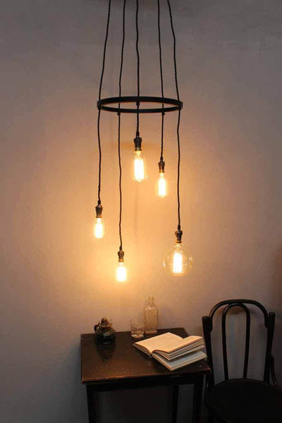 Staggered pendant lights
