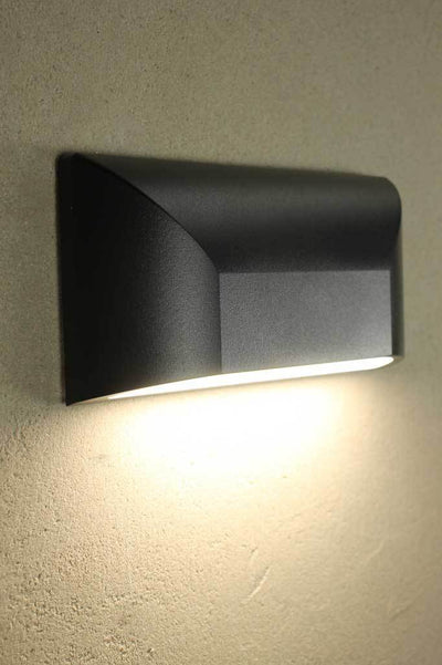 W145 blk side angle1 black light outdoor lights lighting patio garden lighting Sydney black furniture renovation
