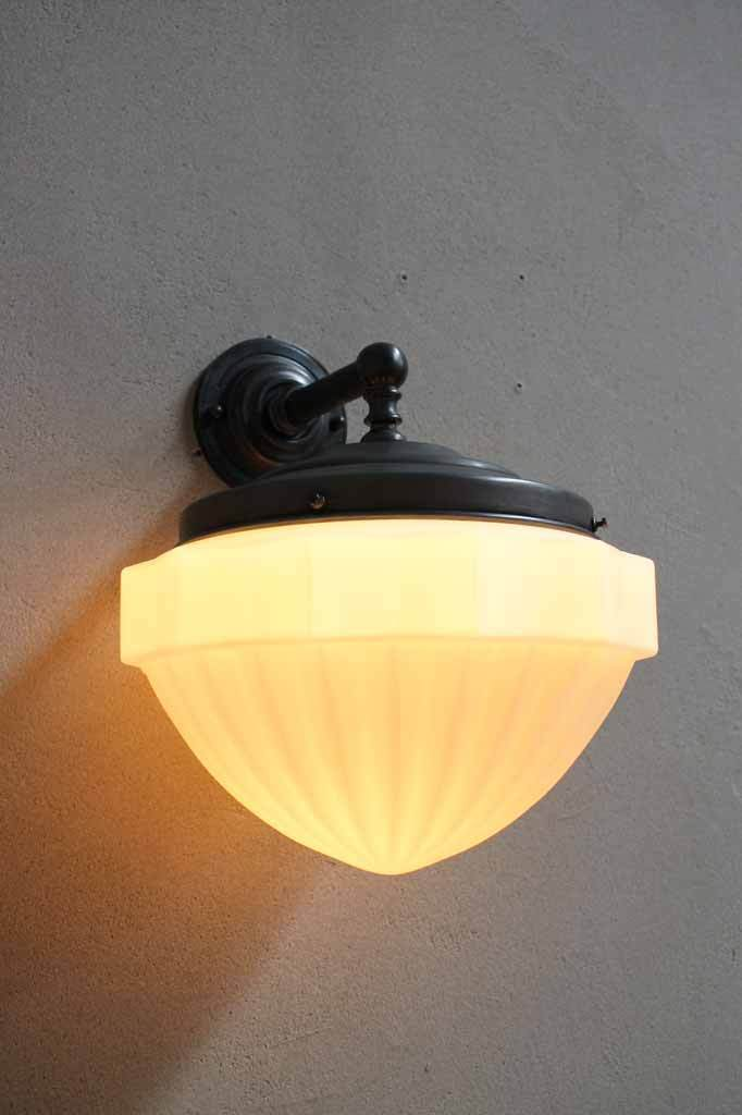 Wall lighting for vintage room. french provincial