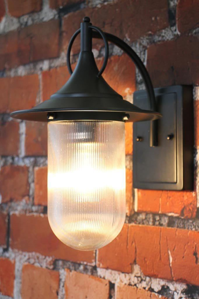 Classic australian architecture outdoor wall light with glass shade