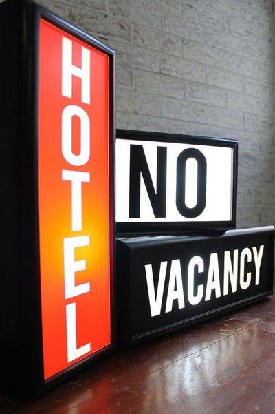 Lightboxes hotel no vacancy sign