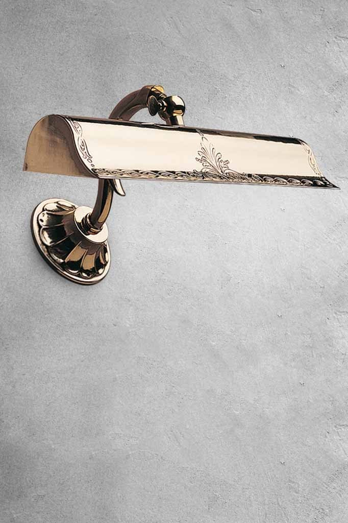 polished-brass-vintage-wall-light