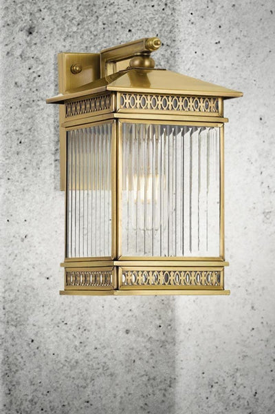 traditional outdoor wall lamp