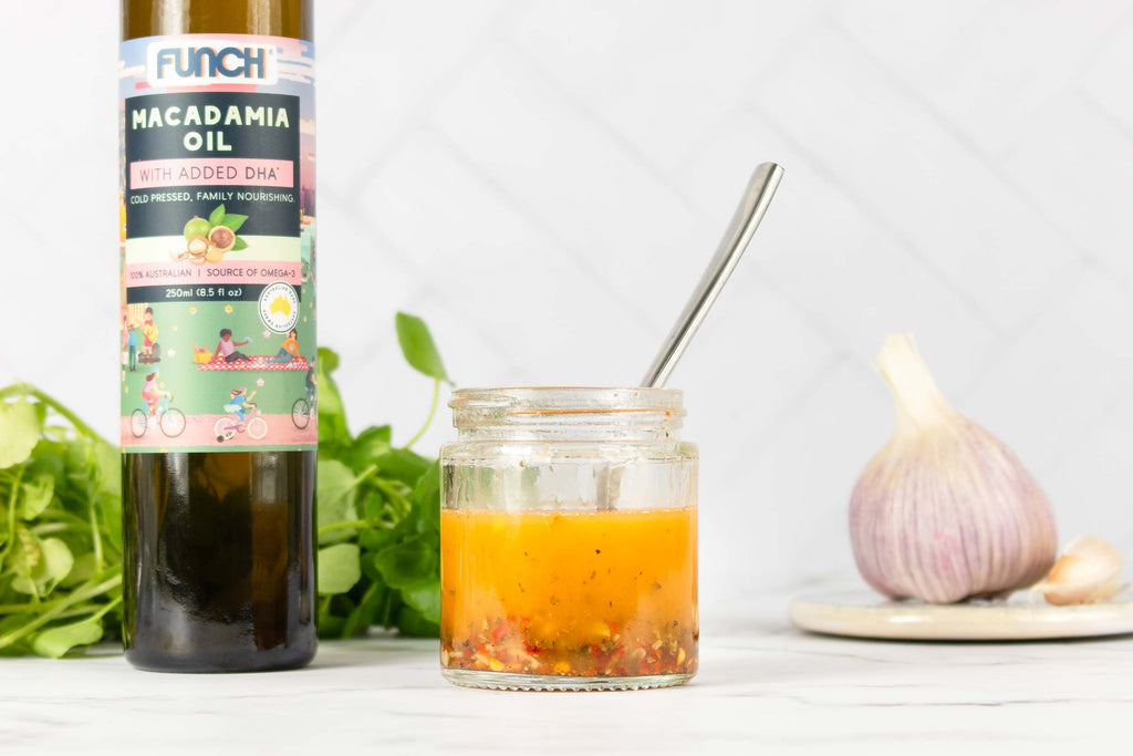 Chilli salad dressing with omega-3
