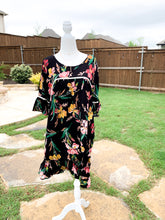 Load image into Gallery viewer, Layla Floral Dress