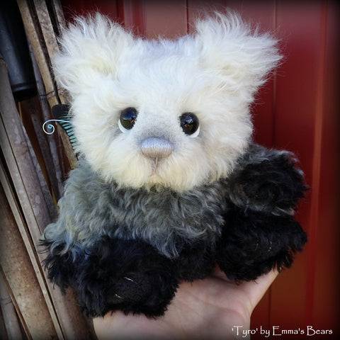 Tyro - 9IN hand dyed kid mohair bear by Emmas Bears - OOAK