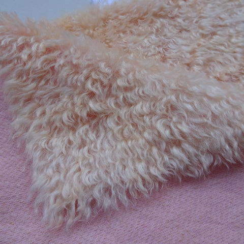 Super Curls Peach - Hand Dyed dense mohair - 1/4m - MAY007