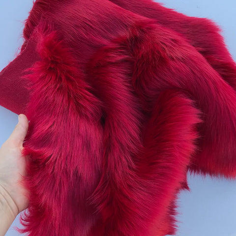 Divine Red - Luxury Faux Fur 2019