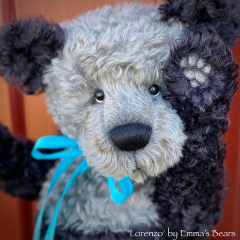 "KIT - 17"" LORENZO bear in curly kid mohair"