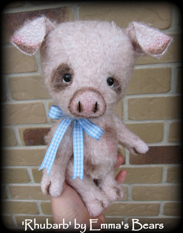 "Digital PATTERN - 9"" Rhubarb Pig"