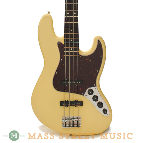 Fender - Deluxe Active Jazz Bass - Vintage White