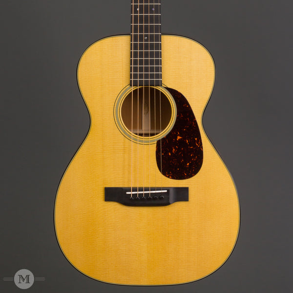 Martin Acoustic Guitars - 0-18