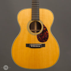 Martin Guitars - 2010 OM-28V Used - Front Close