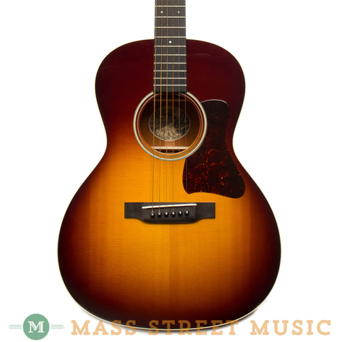 Collings Acoustic Guitars - 2011 C10 SS - Sunburst Used - Front Close