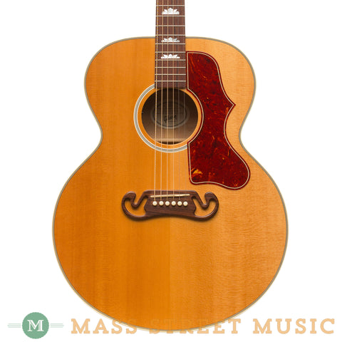 Gibson Acoustic Guitars - SJ-200 Studio 2011 - Front Close