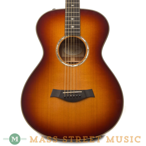Taylor Acoustic Guitars - 2013 Taylor 512e - 12 fret Sunburst close