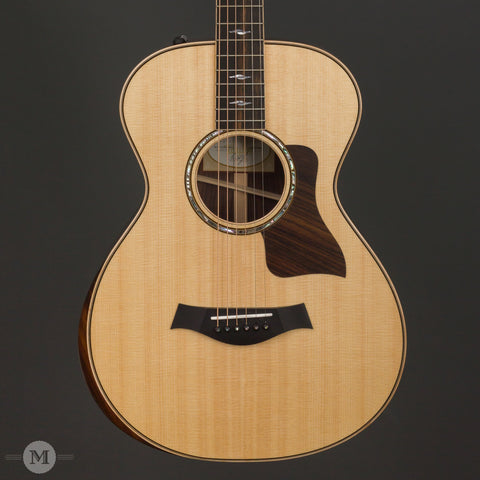 Taylor Acoustic Guitars - 812e DLX 12 Fret - Front Close