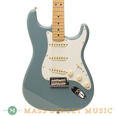 Fender Electric Guitars - 2017 American Professional Stratocaster - Sonic Grey - Front Close 0113010748