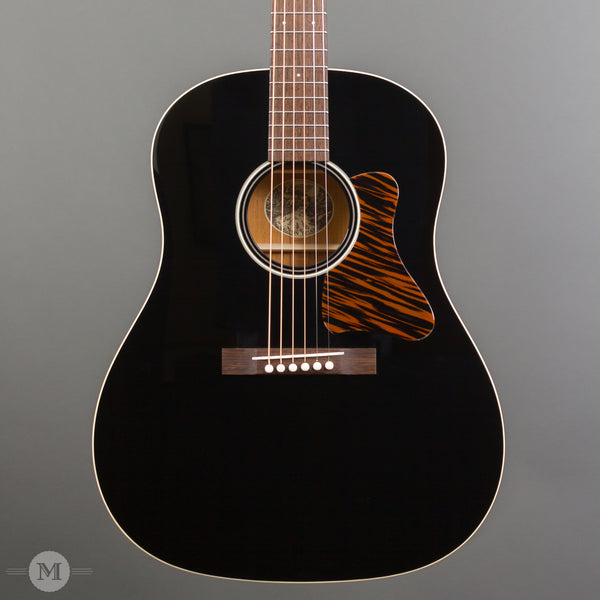 CollCollings Acoustic Guitars - CJ35 - Custom Jet Black Top