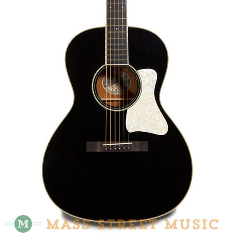 Collings C10 Deluxe Custom Black - front close