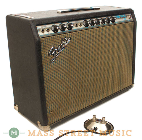Fender Deluxe Reverb Silver Panel 1970 Combo Amp - front angle