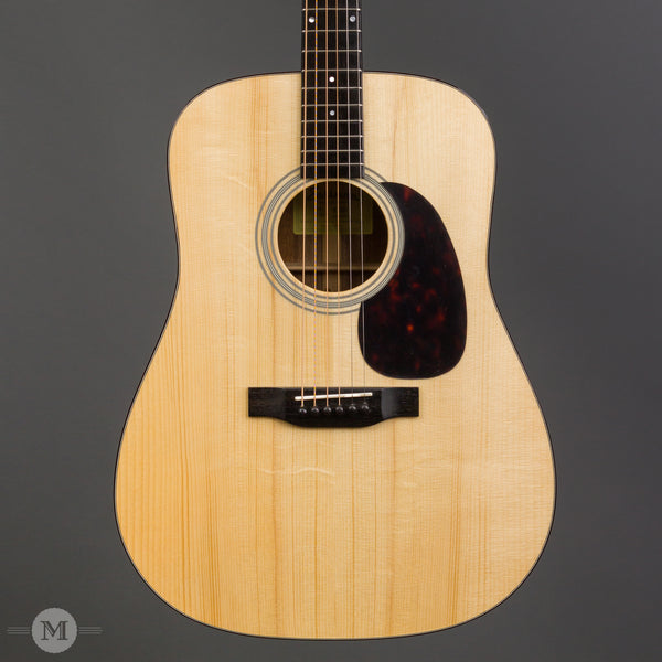 eastman e10d acoustic guitar with hardshell case mass street music store. Black Bedroom Furniture Sets. Home Design Ideas