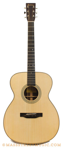 Eastman E20 OM Acoustic Guitar - front