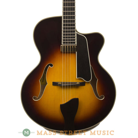 Eastman AR805CE-SB Archtop - front close