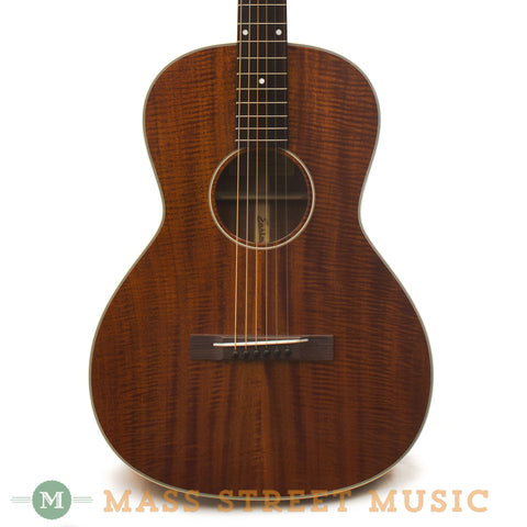 Eastman E10OO-M Acoustic Guitar - front close