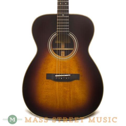 Eastman E20OM-SB Acoustic Guitar Used - front close