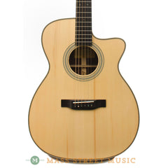 Eastman E20OMCE Acoustic Guitar - front close