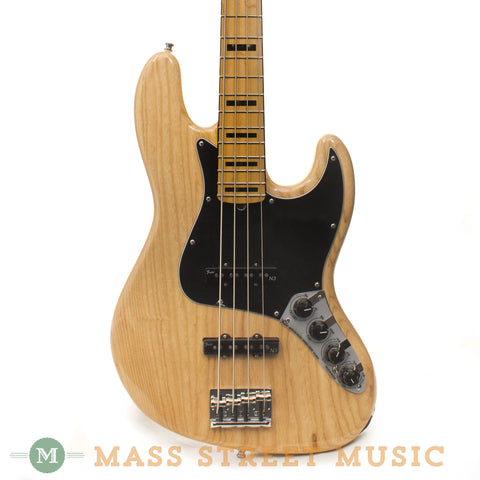 Fender American Deluxe Jazz Bass - front close