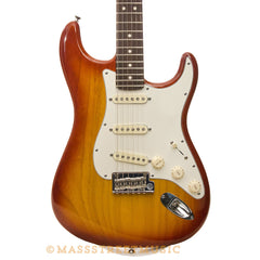 Fender American Standard Stratocaster - front close