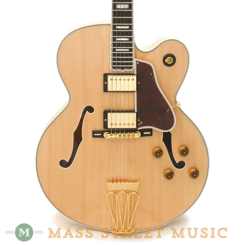 Gibson Used Byrdland Archtop - front close